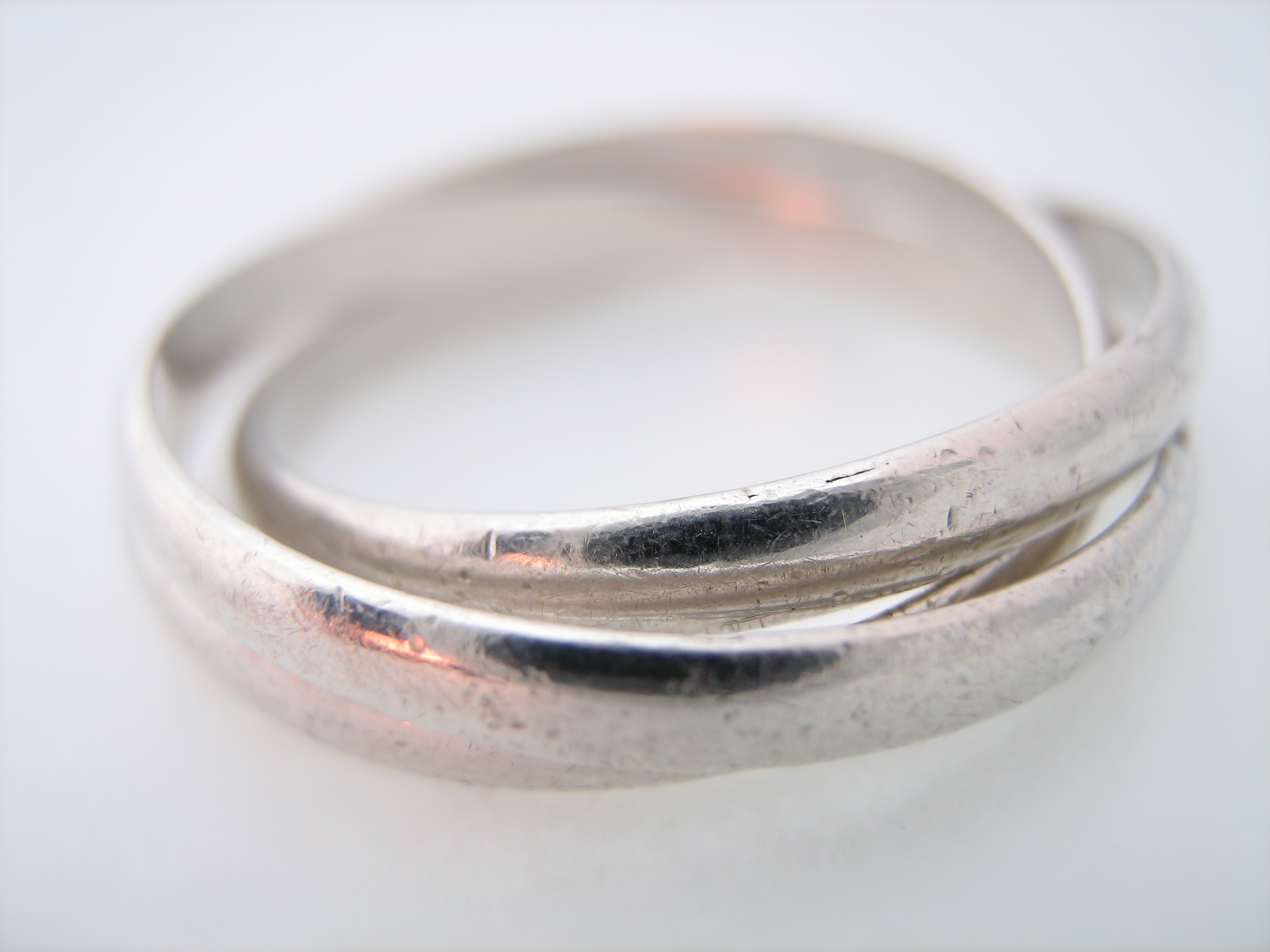 Intertwined marriage rings